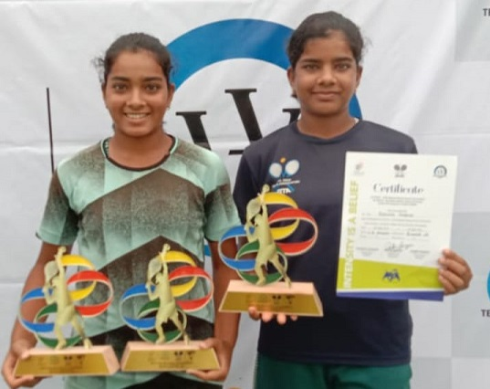 Reshma and Suhitha Maruri won the NS U 18 Doubles